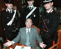 Priebke: nel '98 ergastolo per Fosse Ardeatine