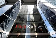 Fitch keeps outlook negative, 'Renzi faces same problems'