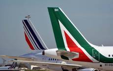 Alitalia employees fret over late paycheques
