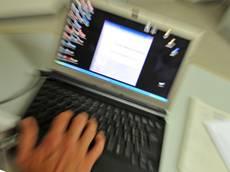 Internet: azzerare il digital divide, piano da 900 mln per web veloce