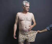Mayor in underpants to protest new rubbish tax