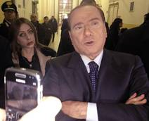 Berlusconi to meet investigators probing Senator switch