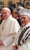 Pope Francis welcomed by Jews in Rome and Jerusalem