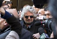 Grillo say M5S was trapped, crack appears in hard line
