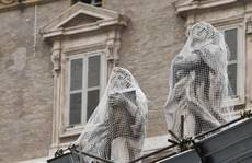 St. Peter's Square statues spruced up ahead of conclave