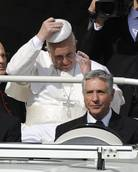 Vatican employees miss out on 'new pope' bonuses
