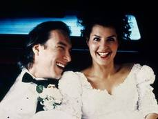 Le nozze costano fino a 60mila euro, coppie cercano risparmio