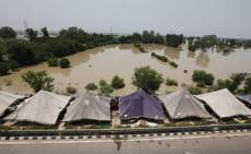 India, monsone, si temono migliaia morti