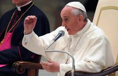 Pope says Christians can't be anti-Semites