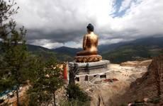 Bhutan: regno felicità domani al voto