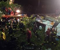Tragic bus accident kills 38, injures 10 in southern Italy
