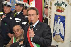 L'Aquila mayor takes resignation back