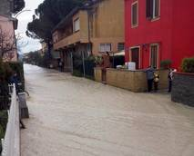 Italian premier calls for urgent attention to Tiber, Arno