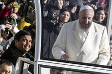 Pope tells Davos forum to use wealth to serve humanity
