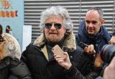 Grillo calls TV journalists slaves to parties