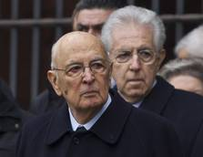 Napolitano calls Berlusconi plot speculation 'smoke'
