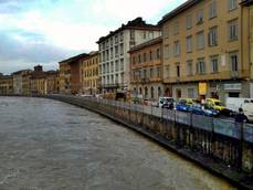 Arno river in Pisa at highest level in 20 years