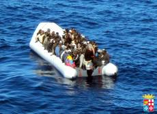 Some 500 rescued migrants being taken to Augusta
