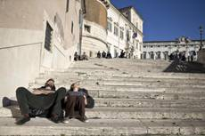Mercury reaches record high for February night in Rome