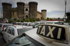 Naples taxi strike brings traffic to a halt