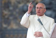 'Prisoners of money unhappy' says pope