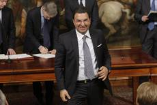 Furore over undersecretary causes turbulence for Renzi