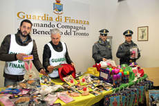 Chinese Carnival masks of Renzi, Berlusconi, Grillo seized