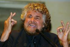Grillo probed for urging police not to protect politicians