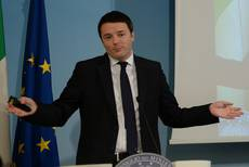 Renzi presents 'historic' 10-bn-euro tax-cut package