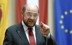 Schulz rallies behind Renzi's drive for growth