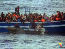 Minister says up to 600,000 migrants ready to cross Med