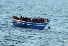 Italian Navy rescues 730 migrants off unseaworthy boats