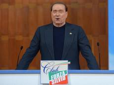 Silvio Berlusconi hospitalized with painful, swollen knee