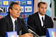 Soccer: Prandelli responds to Conte after 'impolite' jibe