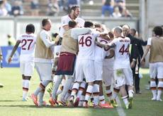 Soccer: Roma believe in 'impossible' title comeback