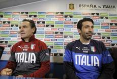 Soccer: Prandelli's Italy out to put Spain on defensive