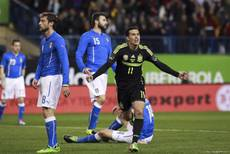Soccer: Prandelli says Italy-Spain gulf 'embarrassing'