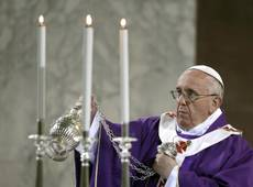 Pope says he 'shares pain' of wrongly accused priests