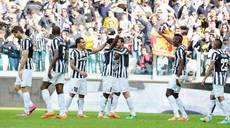 Soccer: Roma concede defeat after Juve extend lead
