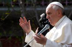 Pope to wash disabled, elderly feet in Rome