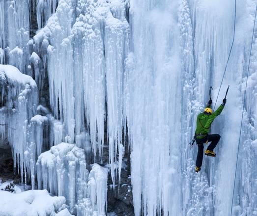 Emozionante arrampicata nel Cantone dei Grigioni, Svizzera