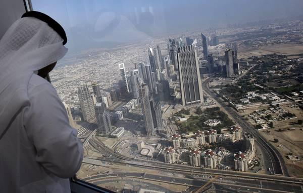 A dubai il grattacielo pi alto del mondo - Dubai a gennaio si fa il bagno ...