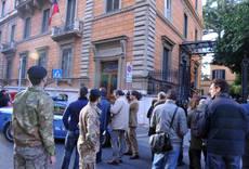 Roma, allarmi ambasciate: ordigno nella sede greca
