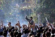 Scontri a Teheran, regna caos totale