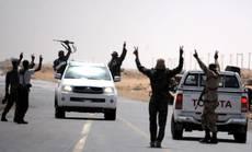 Resa dei soldati del rais al confine con la Tunisia
