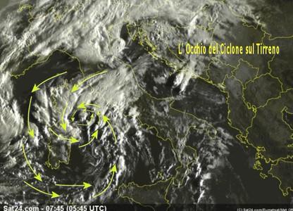L'occhio del ciclone sul Tirreno