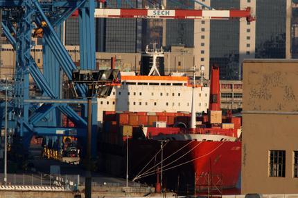 La portacontainer Jolly Nero della linea Messina