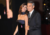 Clooney-Canalis affair strong