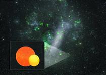 """Al centro dell'immagine la ricostruzione artistica del sistema binario descritto nella notizia (la stella """"sorella"""" della stella polare e' la piu' piccola, in giallo)"""