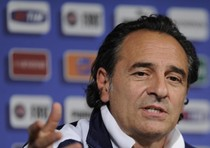 Euro 2012: Prandelli, ct finalista, in conferenza a Cracovia